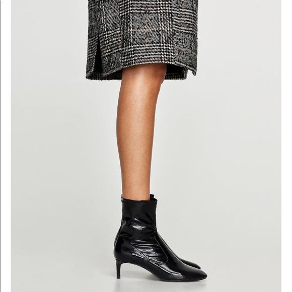 Zara Shoes   Black Mid Heel Faux Patent